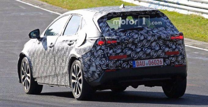 2021 Toyota Prius V Exterior