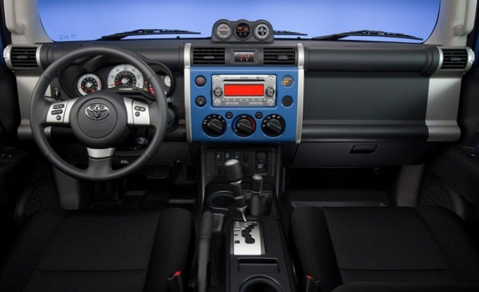 2019 Toyota FJ Cruiser Interior