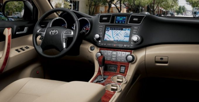 2025 Toyota Highlander Interior