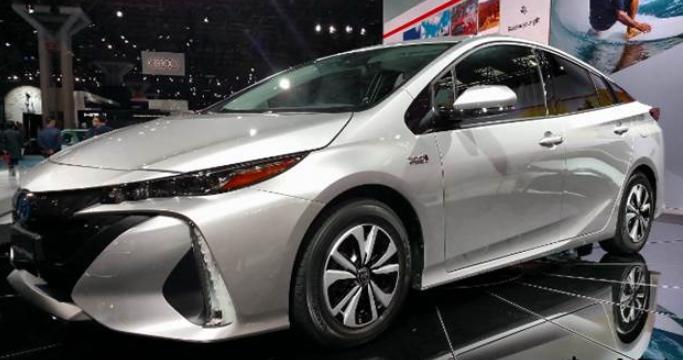2020 Toyota Prius Rivew